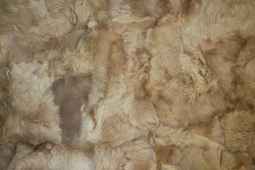 Toscaans lamsvacht kleed patchwork, Beige